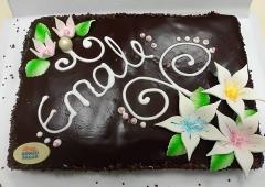 Rõngu Pagar ja Ring FM Hommikuprogramm kingivad emadepäevanädalal igal hommikul ühele kuulajale maitsva ja kaunistatud 2 kilogrammise šokolaadi-kohupiimatordi.
